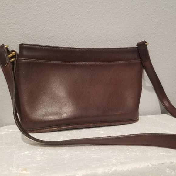 a1e1701a Vintage Coach Dark Brown Leather Shoulder Bag